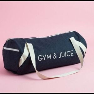 Gym & Juice new Barrel style workout duffle bag